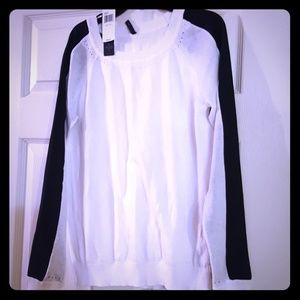 XS NYDJ sweater. New with tags!